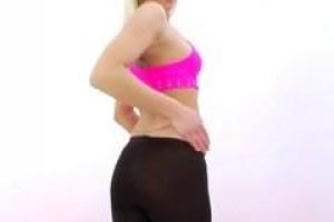 Анальный секс любя белокурого подростка наклоняется и добирается, ее трудное отверстие задницы простиралось широкий