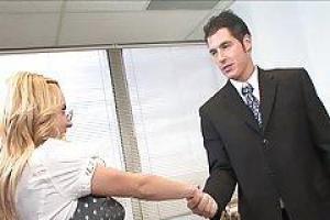 Lexi Belle добирались, та ее работа будет трахать ее красивого босса максимально часто