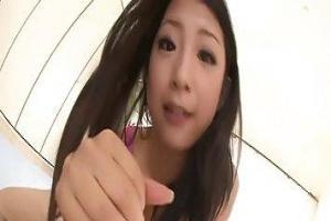 Suzuki Satomi имеет случайный секс с ее хорошим другом и обладает им много