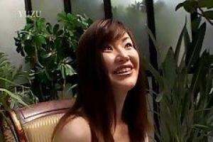 Aika - милая азиатская девочка, которая хочет учиться сосать член как шлюха